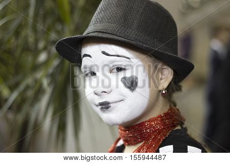 Portrait of the girl mime actor Close-up