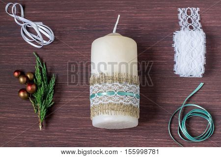 Christmas decoration candles with your own hands. Burlap eco-decor. DIY concept. Step by step photo instructions. Step 4. Attach the lace strip to burlap