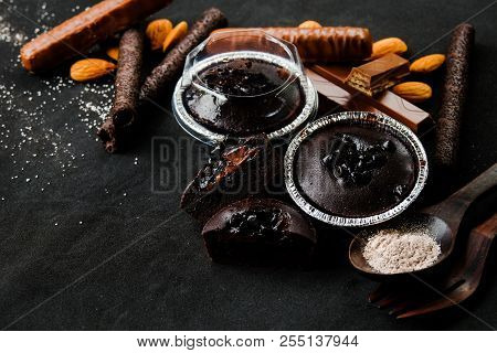 Muffin Dark Chocolate Lava With Chocolate Chip In Foil Tray Bread With Wafer Roll, Wafer Fingers, Po