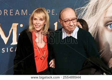 NEW YORK-DEC 10: Elaine Joyce and Neil Simon attend the premiere of