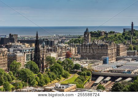 Edinburgh, Scotland, Uk - June 14, 2012: Wide View From Top Of Castle Towards North Sea Inlet With S
