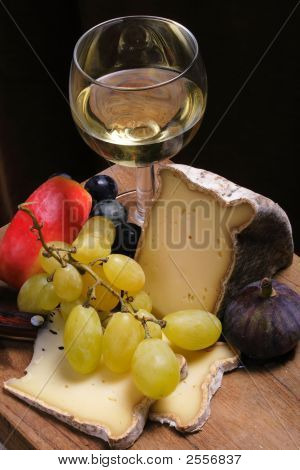 Cheese, Fruits,Wine