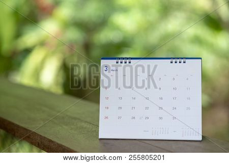 Desktop Calendar Page 2018 Place On A Wooden Desk With Green Nature Backgrond.calender  For Planer T