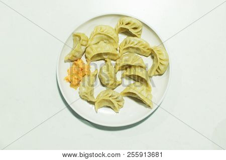 Momo , Type Of South Asian Dumpling; Native To Tibet, Nepal, Bhutan And Sikkim. It Is Similar To Chi