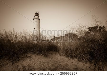 Historic Great Lakes Lighthouse. The Fort Gratiot Lighthouse Is The Oldest Active Lighthouse On The