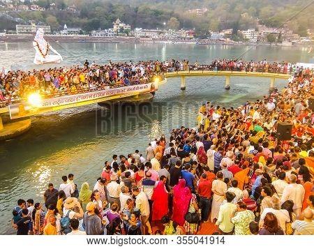 Rishikesh, India - Circa March 2018. Ganga Aarti Ceremony In Parmarth Niketan Ashram At Sunset. Rish