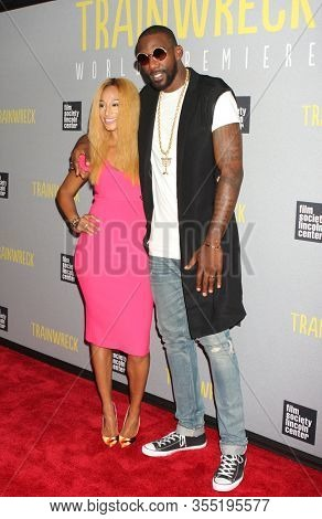 NEW YORK - JUL 14: Amar'e Stoudemire (R) and wife Alexis Welch attend the world premiere of