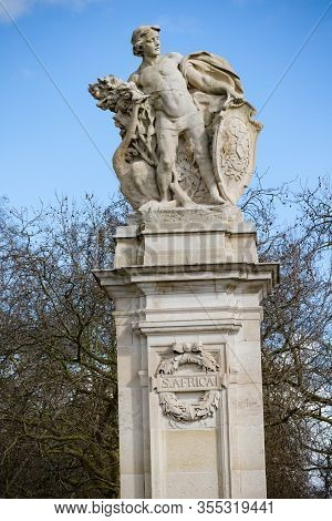 London, United Kingdom, March 8th 2020:- Statue Representing South Africa Near Buckingham Palace