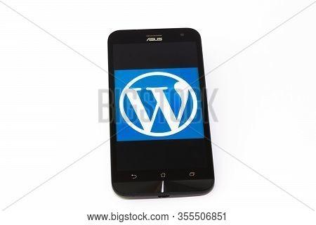 Kouvola, Finland - 23 January 2020: Wordpress App Logo On The Screen Of Smartphone Asus