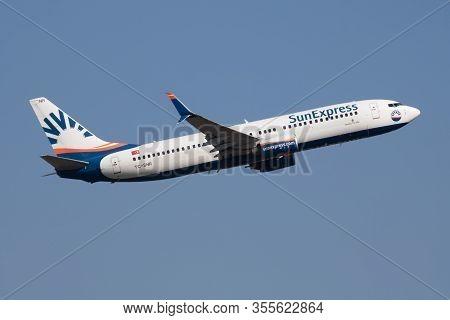 Budapest / Hungary - October 14, 2018: Sunexpress Boeing 737-800 Tc-snr Passenger Plane Departure An