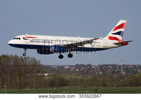 Budapest / Hungary - April 14, 2018: British Airways Airbus A320 G-euyc Passenger Plane Arrival And