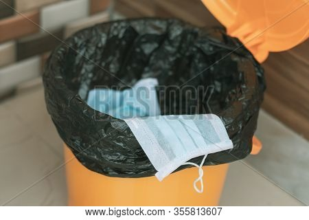 Covid-19, 2019-ncov Or Coronavirus Advice To Discard Or Dispose The Medical Face Mask To Closed Bin