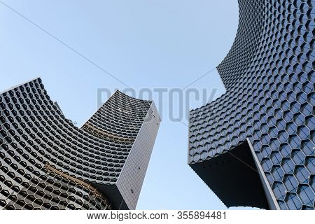 Singapore-13 Mar 2020:close View Of The Duo Galleria, A New Highrise Building Near The Bugis Station