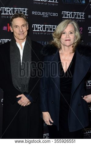 LOS ANGELES - MAR 9:  Nicholas Guest, Pamela Guest at the