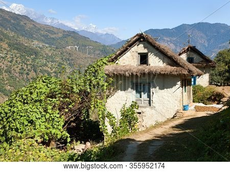 Beautiful House Home Building In Nepal, Khumbu Valley, Solukhumbu, Nepal Himalayas Mountains