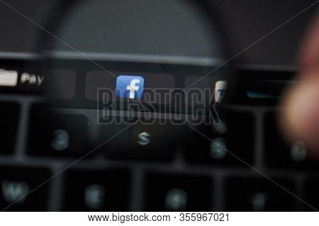 Facebook Application Button