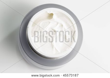 Facial Cream For Modern Women