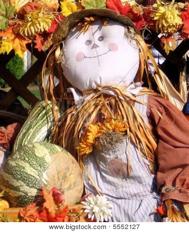 Smiling Fall Scarecrow Decoration