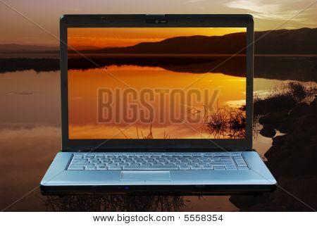 Laptop Sunset4