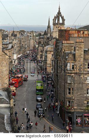 Royal Mile Edinburgh Old Town EDINBURGH - AUGUST 29: People on the Royal Mile main thoroughfare onAu