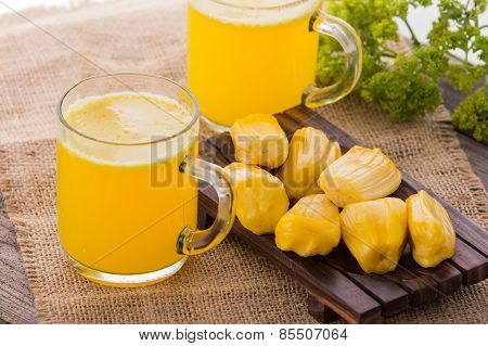 Jack Fruit And Milk Smoothie