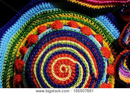 Amazing Colorful Weavings Of Wool And Cotton Threads With Geomet