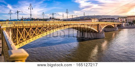 Margaret bridge connecting Buda, Pest and the margaret island in Budapest Hungary