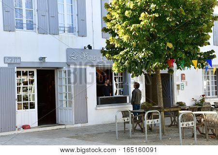 La Couarde sur Mer France - september 26 2016 : restaurant in the picturesque village in autumn