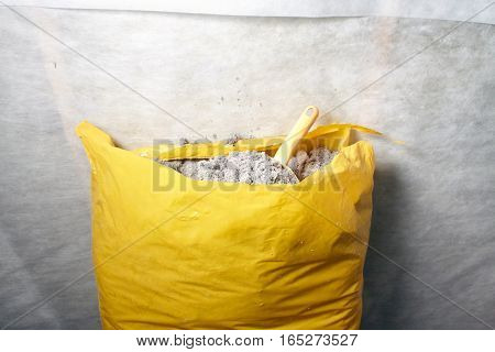 The ecologicaly clean cellulose insulation, insulation from recycled newsprint