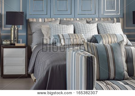 Light Blue Romantic Style With Reading Lamp And Comfy Sofa