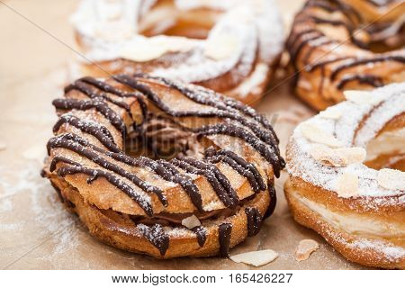 Chocolate And Powdered Sugar Cream Puff Rings (choux Pastry)