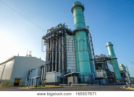 Combined cycle power plant with clear sky
