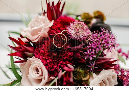 Wedding rings wedding bouquet. Wedding decor nature