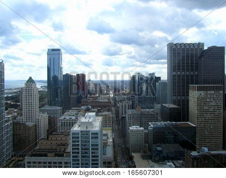 Chicago cityscape  of tall buildings in the daylight