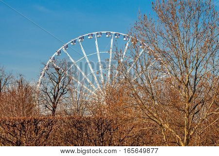 Ferris wheel at the Place de la Concorde. One of the most popular attractions of Paris.