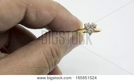 ring wedding engage hand hold diamond heart shape