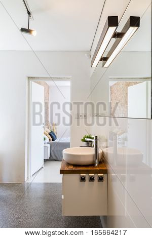 High Gloss White Bathroom Idea