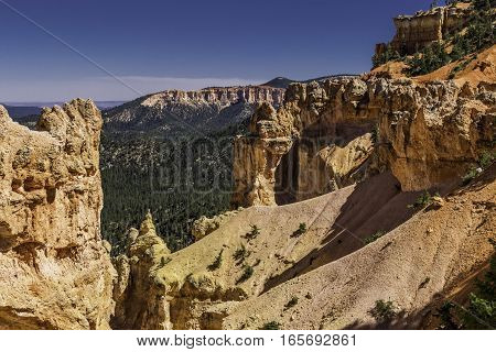 Notch in the Mountain of Bryce Canyon