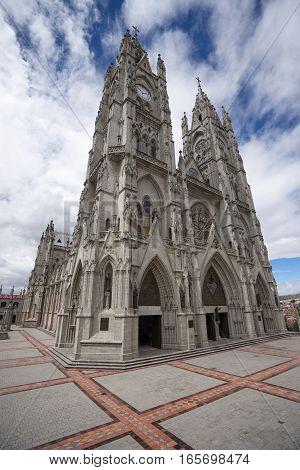 basilica de voto nacional Quito a neo-gothic style architecture