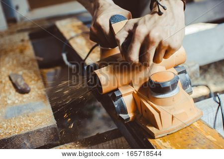 master wood working electric planer shavings manually