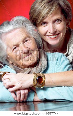 Matka a dcera s úsměvem