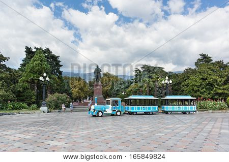 YALTA CRIMEA RUSSIA - SEPTEMBER 12.2016: Pleasure engine on Lenin square on the waterfront