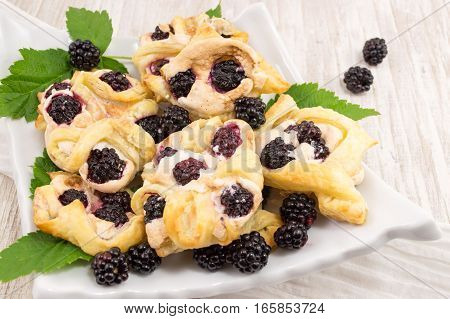Blackberry Puff Pastry With Vanila Pudding