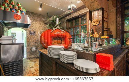 MOSCOW - AUGUST 2014: The interior Italian pizzeria