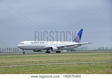 March 27th 2015 Amsterdam Schiphol Airport N651UA United Airlines Boeing 767-322(ER) Polderbaan Runway