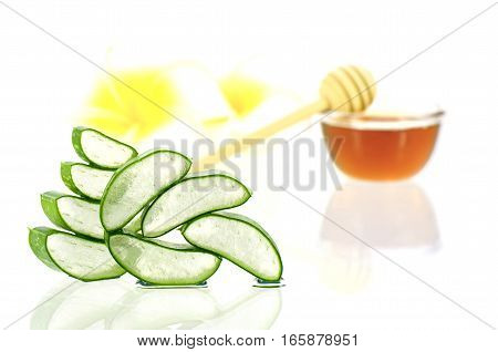 Aloe Vera And Honey For Hair And Facial Treatment.