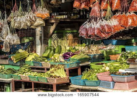 Fruit and vegetable diversity on a food market