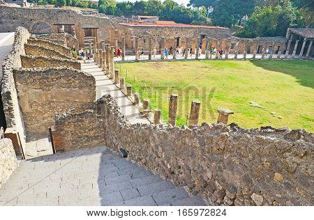 Visiting Of Ancient Pompeii