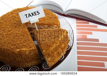 office work and metaphor in the form of cake for the payment of taxes