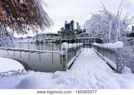 Deep snow in Portland Oregon on the shore of the Willamette River
